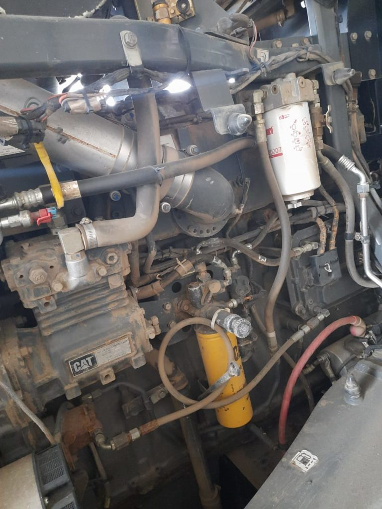 Трактор б/у Challenger MT865 B.